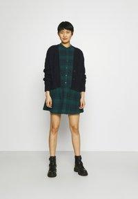 GAP - DRESS PLAID - Shirt dress - dark green - 1