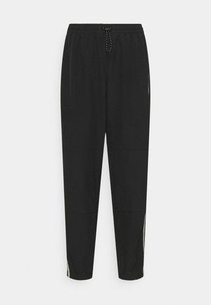 PANT - Pantalon de survêtement - black/metallic silver