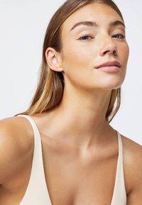 OYSHO - Bikiniöverdel - white - 4