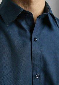 Jack & Jones PREMIUM - Formal shirt - navy blazer - 3