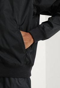 Nike Sportswear - Windbreaker - black - 5