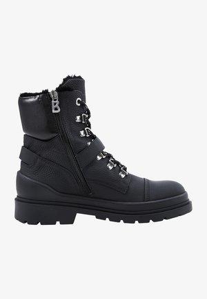 ST. MORITZ MIT SPIKES - Winter boots - schwarz