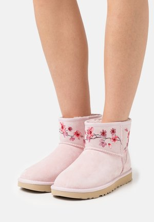 CLASSIC MINI BLOSSOM - Bottines - seashell pink