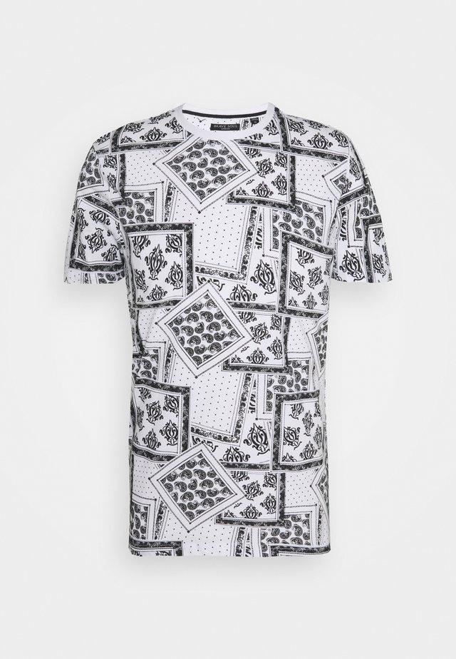 ESCHERB - Print T-shirt - optic white/jet black