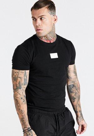 AOKI BADGE GYM TEE - T-shirt imprimé - black
