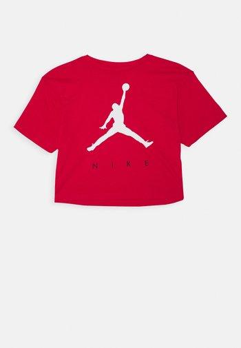 JUMPMAN TEE - T-shirt z nadrukiem - verry berry