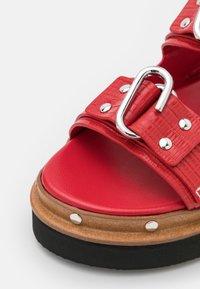 3.1 Phillip Lim - ALIX FLATFORM - Sandalen met plateauzool - mars red - 6