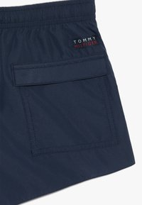 Tommy Hilfiger - MEDIUM DRAWSTRING - Swimming shorts - white - 4