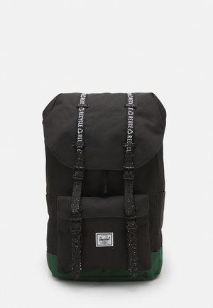 LITTLE AMERICA BACKPACKS - Plecak - black/dark green