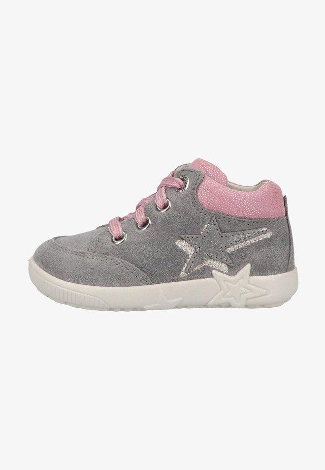 Sneakers laag - hellgrau rosa