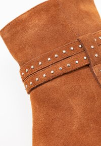 Shoe The Bear - BERGIT - Classic ankle boots - tan - 2