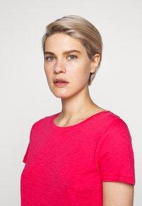 J.CREW - VINTAGE CREWNECK TEE - Basic T-shirt - sweetbriar - 3