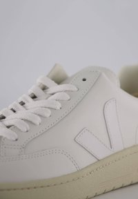 """Veja - """"V-12"""" - Trainers - weiss - 5"""