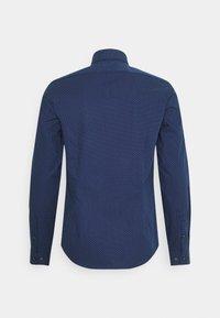 Calvin Klein Tailored - DOT EASY CARE SLIM SHIRT - Formal shirt - navy - 1