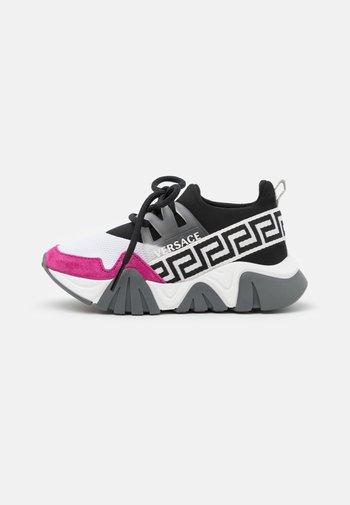 UNISEX - Trainers - black/white/hibiscus