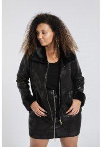 SPG Woman - Imitatieleren jas - black - 0