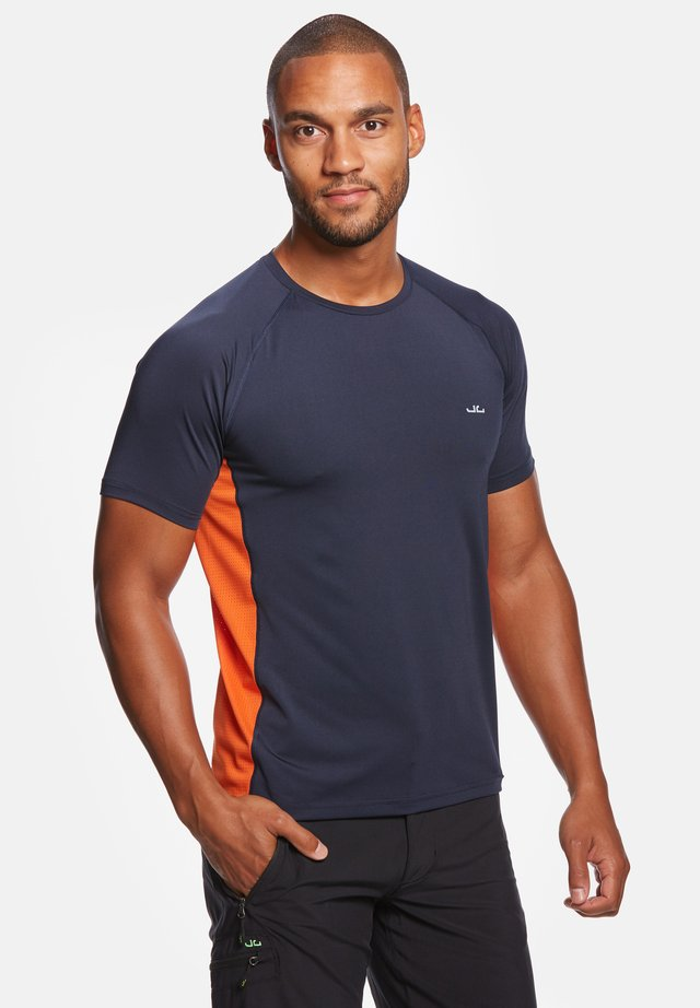 RIVARA - T-shirt con stampa - navy/orange