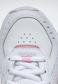 Reebok - SPRINTER  - Chaussures de running neutres - white - 8