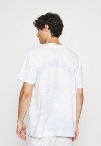 GAP - TIE DYE - Print T-shirt - light blue shadow - 2