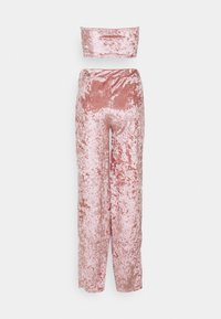Missguided Petite - CRUSHED BANDEAU AND TROUSER - Broek - blush - 1