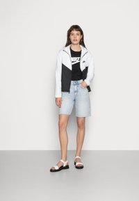 Nike Sportswear - TEE ICON - Maglietta a manica lunga - black/white - 1