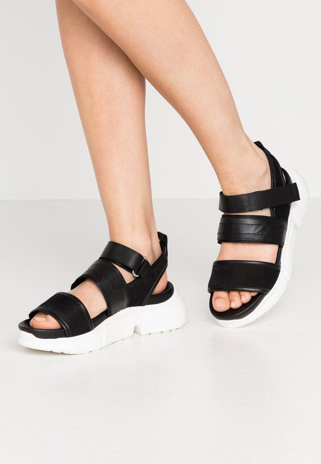 MALA SPORT  - Sandály na platformě - black