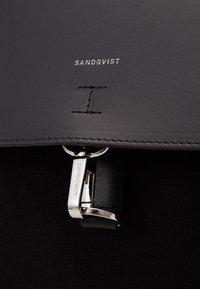 Sandqvist - ALVA HOOK - Rucksack - black - 4