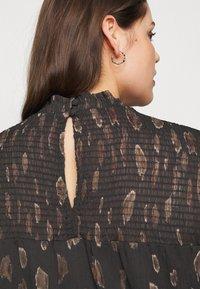 Vero Moda Curve - VMFANT O-NECK DRESS - Day dress - phantom - 6