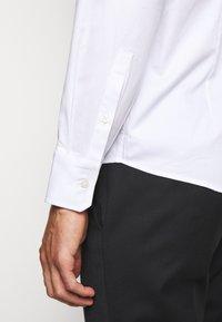 Emporio Armani - Chemise classique - white - 8