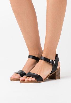PLATYPUS BLOC HEEL  - Sandaler - black