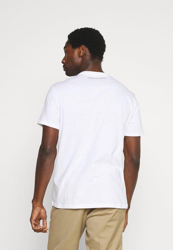Armani Exchange T-shirt z nadrukiem - white/biały Odzież Męska GQQO