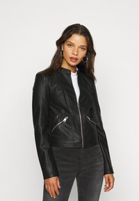 Vero Moda Petite - VMKHLOE  FAVO COATED JACKET PETITE - Faux leather jacket - black - 0
