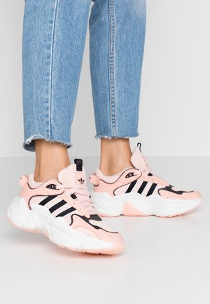 MAGMUR RUNNER - Trainers - glow pink/ice pink/crystal white