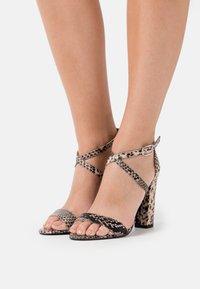 Glamorous - Sandały na obcasie - beige - 0