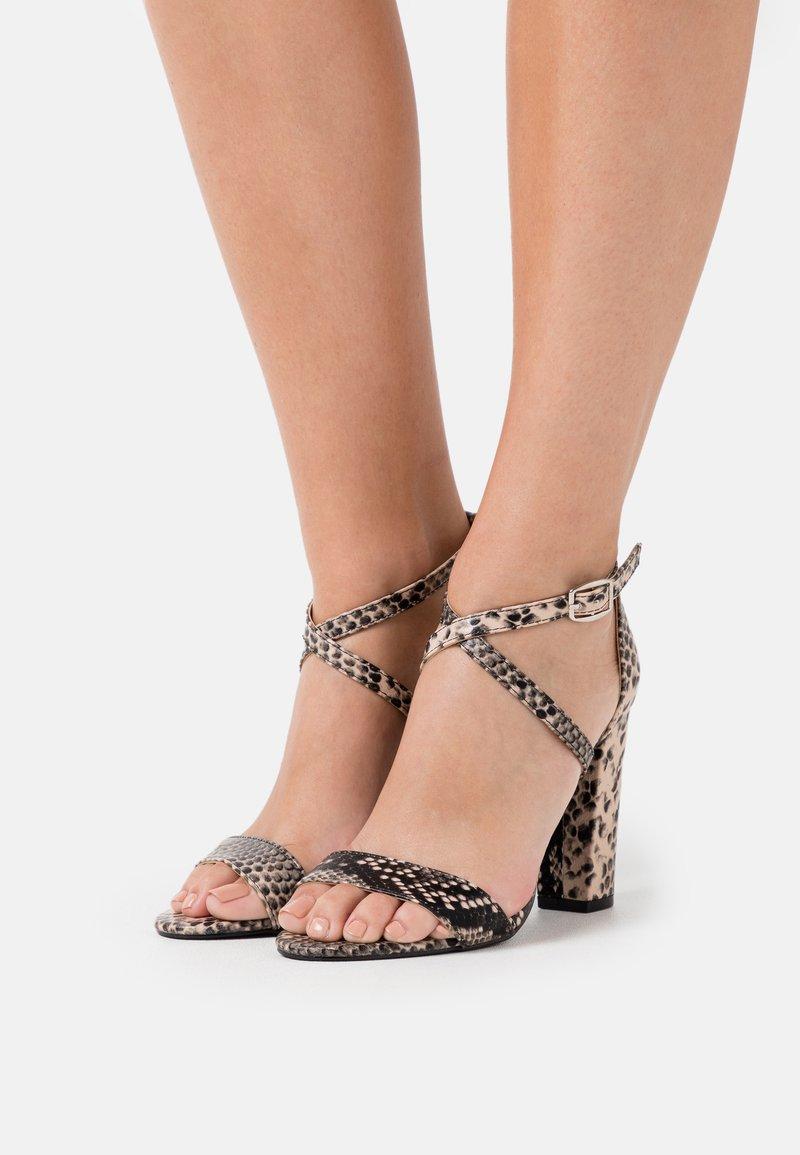 Glamorous - Sandały na obcasie - beige