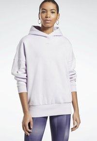 Reebok - OVERSIZED WORKOUT HOODIE - Hoodie - purple - 0