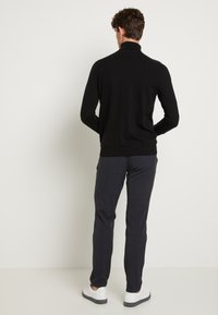 Selected Homme - SLHBERG ROLL NECK - Trui - black - 3