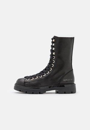 WAYLAND - Veterboots - black