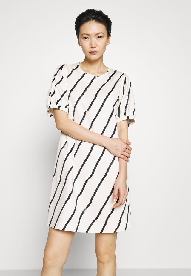 CELESTE - Robe d'été - white/black