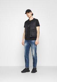 Antony Morato - SLIM FIT WITH LOGO - T-shirt con stampa - nero - 1