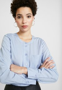 And Less - ALACE BLOUSE - Blouse - colony - 3