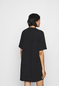 Monki - IZZY DRESS - Jerseykjole - black - 2