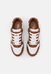 Polo Ralph Lauren - CLASSIC RUNR - Trainers - white/saddle - 4