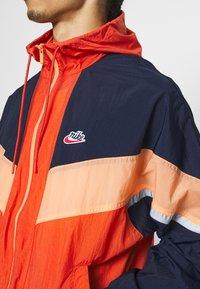 Nike Sportswear - Windbreaker - mantra orange/obsidian/orange frost - 5