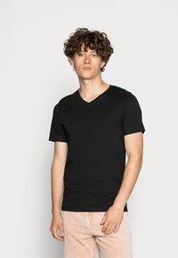 Jack & Jones - JJEPLAIN  - T-shirt basic - black - 0