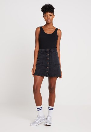 PATCH POCKETE CARAMEL  - Denim skirt - black