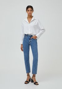 PULL&BEAR - MOM - Jeansy Relaxed Fit - light blue - 1