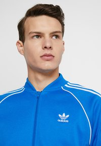 adidas Originals - SUPERSTAR ADICOLOR SPORT INSPIRED TRACK TOP - Träningsjacka - blue bird - 3
