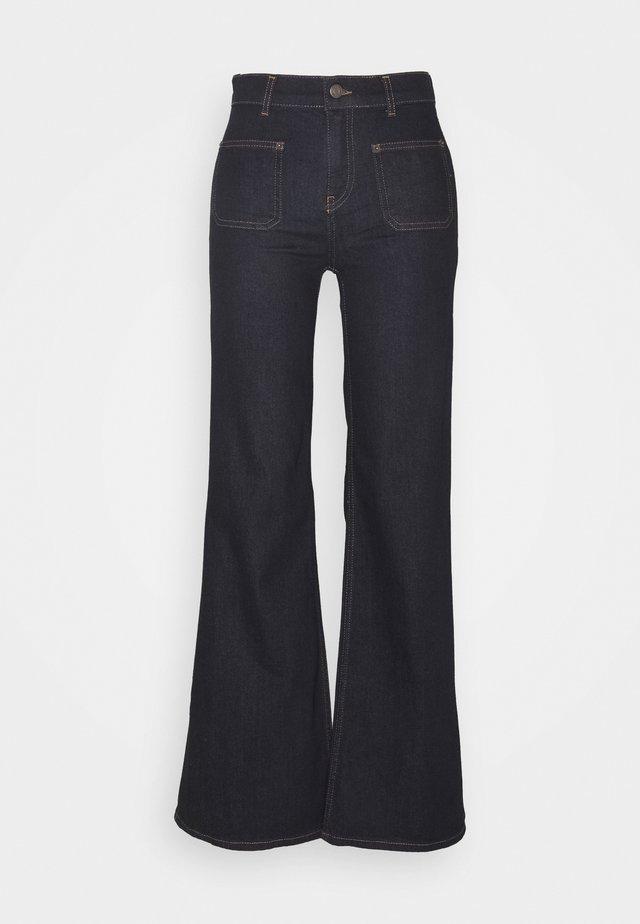 SENIAIW WIDE - Flared Jeans - rinsewash
