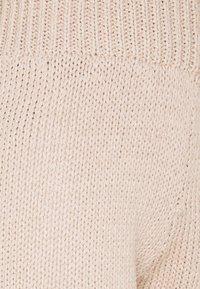 Gina Tricot - ARIEL  - Shorts - beige - 2
